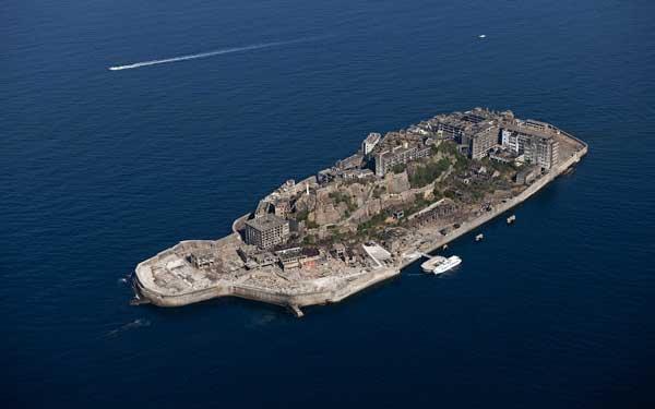 15-Hashima-Island