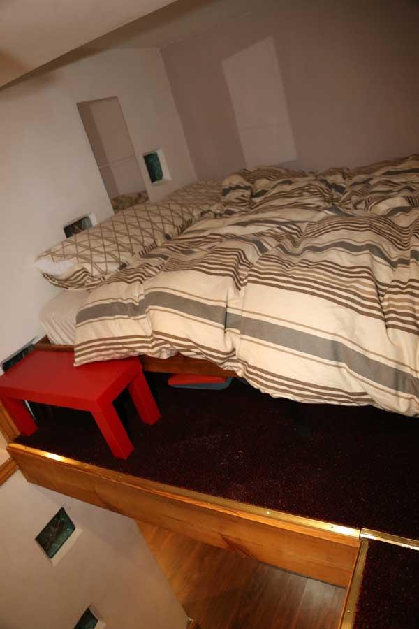4-apartment