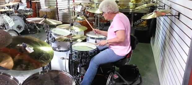 grandma-drums-feat